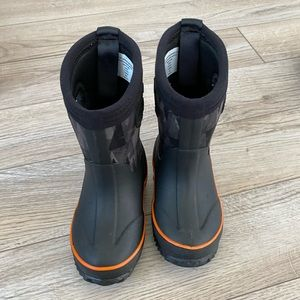 Cat & Jack Waterproof Boots Size 7